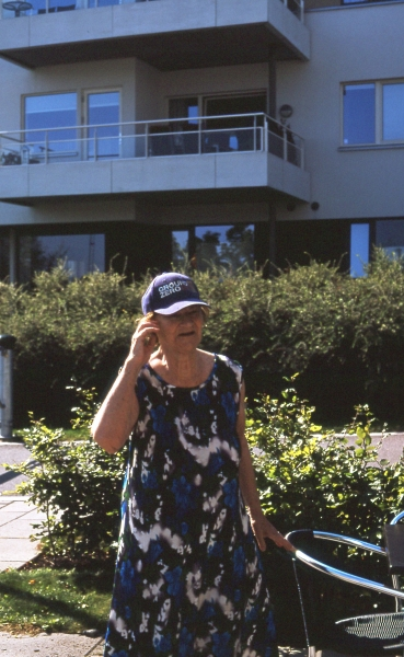 http://emilienorenberg.com/files/gimgs/th-34_grandma and her ground zero cap.jpg